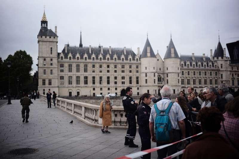 2019年10月3日,法國巴黎警察總局發生凶殺案,4名警察遇害(AP)