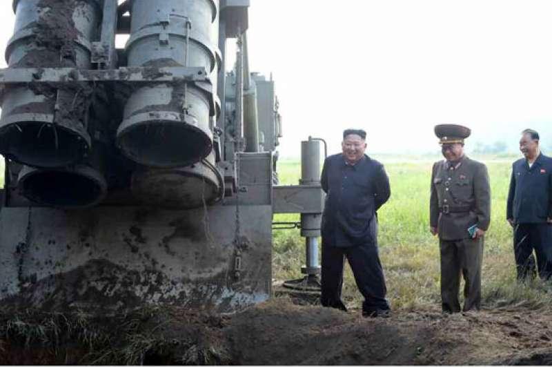 北韓的「超大型火箭炮」。(勞動新聞)