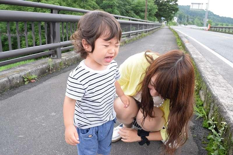 孩子有時候很情緒化,讓父母傷透腦筋。(圖/photo-ac)