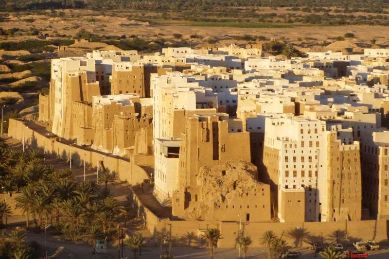 示巴姆的千年古蹟泥造大樓群,正因為葉門內戰而逐漸傾頹。(示意圖,非本文坍塌樓房)(Dan@flickr_CCBYSA3.0)