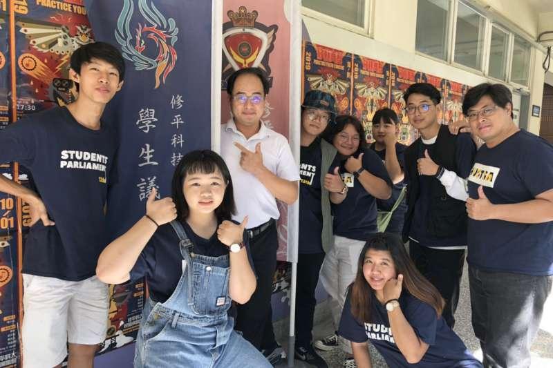 修平科大學務長謝廷豪強調,學校注重走動式管理跟溝通。(圖/記者王秀禾攝)