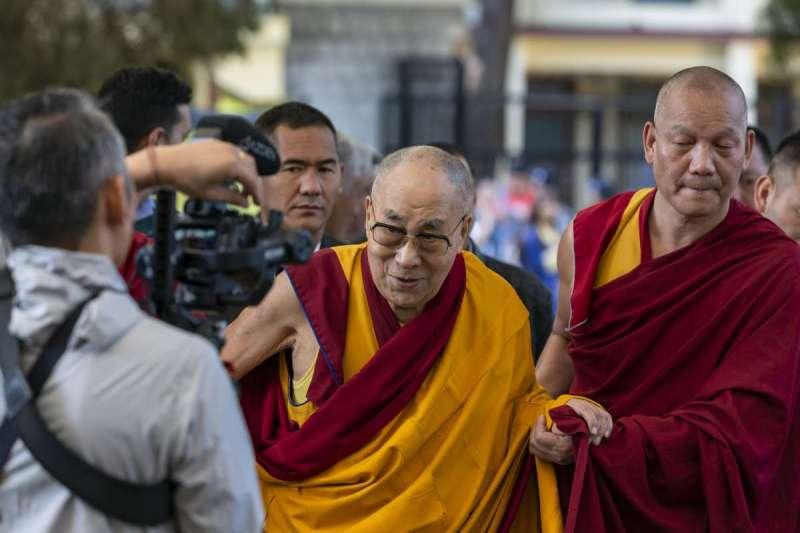 藏人協會向加州里士滿市議會提出申請,將亨廷頓大道改為「達賴喇嘛大道」。(美聯社)