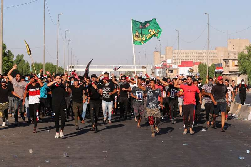 伊拉克10月1日起爆發大規模抗議,在政府強力鎮壓之下,已經造成至少109人死亡,超過6000人受傷。(美聯社)