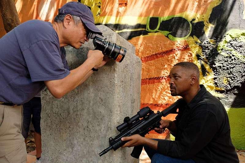電影《雙子殺手》中,威爾史密斯一人分飾兩角,將與年輕版的自己同框尬戲(圖/IMDb)