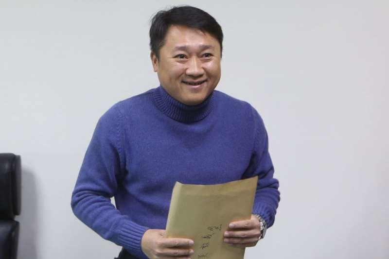 李哲華(圖)遭拔官當天,還與秘書長曾永權南下開輔選動員會議。(郭晉瑋攝)