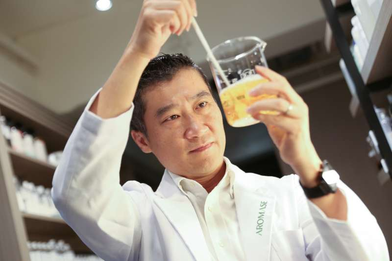 AROMASE艾瑪絲品牌創辦人陳俊偉Eric:「解決患者頭皮問題,就像我的天命,未來也想持續幫助到更多人」
