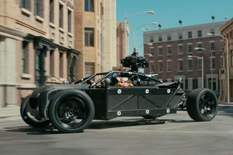 數位特技車BLACKBIRD可以搭配動態捕捉技術,一秒變身各種車款(圖/DC FILM SCHOOL)