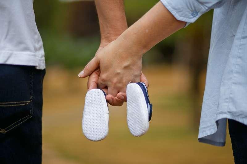 丈夫有無精症,那第一 胎是誰的……(示意圖/pixabay)