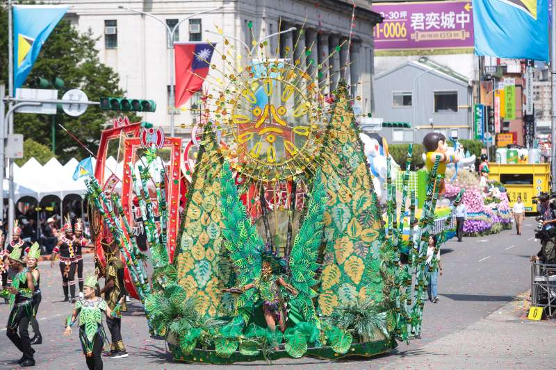 20191010-中華民國108年國慶大會,友邦聖露西亞參加花車遊行嘉年華。(顏麟宇攝)