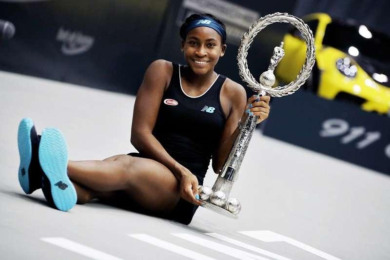 15歲的美國小將葛芙在奧地利林姿公開賽奪冠。 (圖片取自WTA推特)