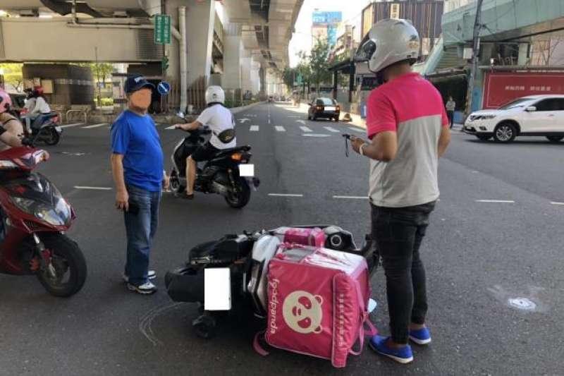 外送平台外送員交通事故頻傳,根據統計資料,10月1日至13日期間,光是台北市外送平台外送員交通事故就高達30件。(台北市政府提供)