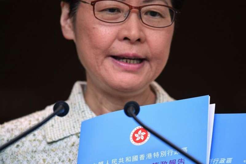 林鄭表示,《施政報告》也將透過「附篇」回顧她自2017年上任後的工作進度、香港現今面對的挑戰,以及往後工作的新措施。(德國之聲)