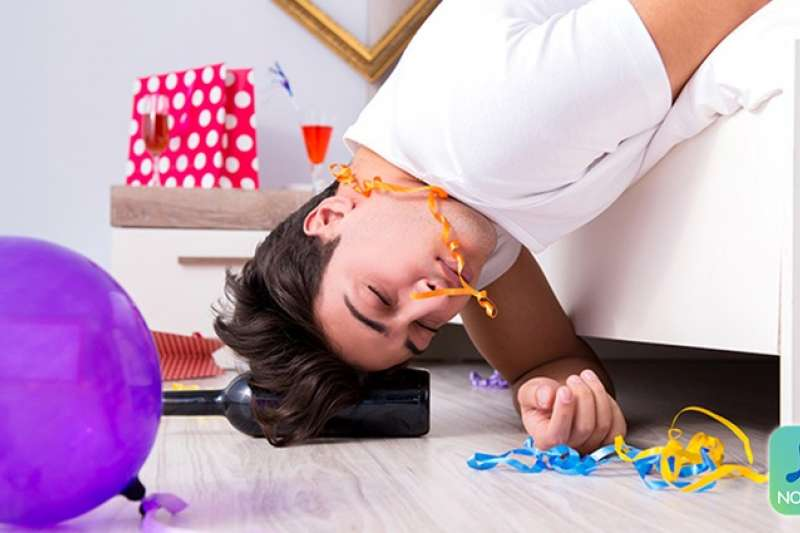 宿醉嚴重程度因人而異,通常與飲酒量有關係。(圖/now健康)
