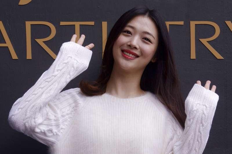 年僅25歲的南韓流行女星雪莉10月14日逝世。(AP)