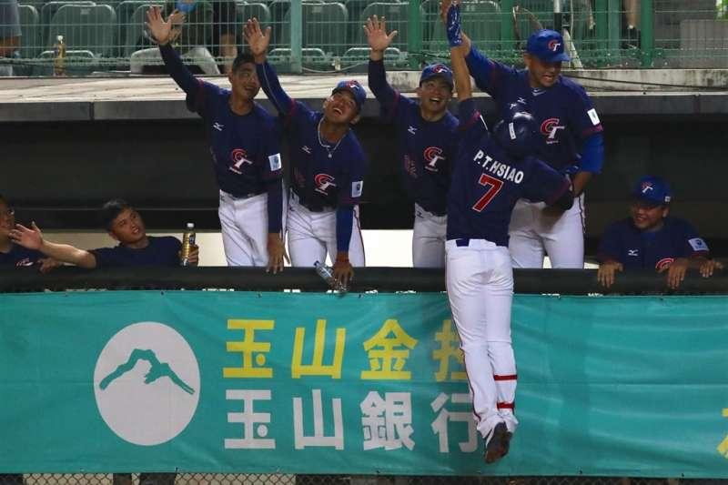 亞洲棒球錦標賽中華隊16日在斗六棒球場交手斯里蘭卡,以17比0提前5局扣倒斯里蘭卡,確定晉級複賽。(圖取自facebook.com/CTbaseballteam)