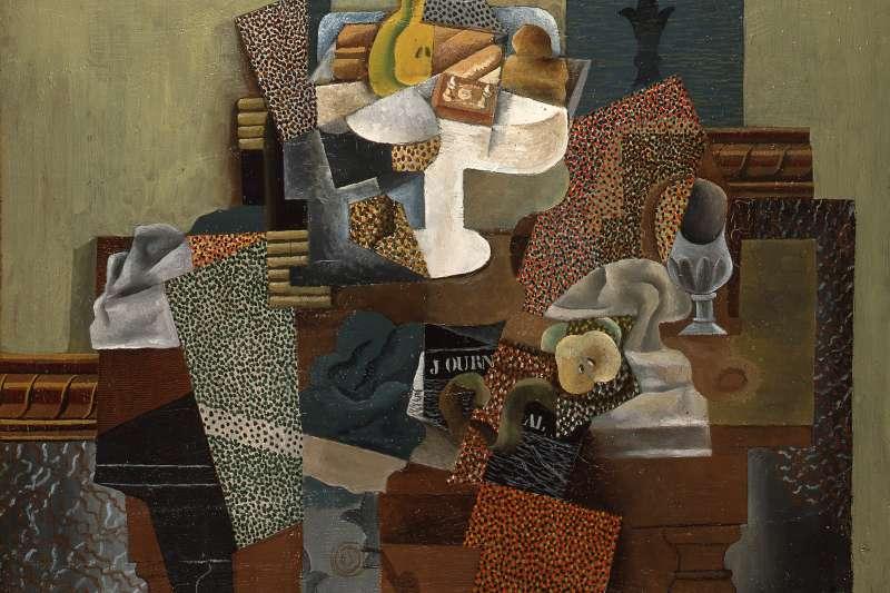 1913年正值現代主義盛行時期,畢卡索致力於建立「綜合立體主義」,西方文字、美術、音樂等領域都在逐漸改革,成為圍繞豐富故事的年代。圖為畢卡索畫作《Nature morte au compotier》。(資料照,取自維基百科)
