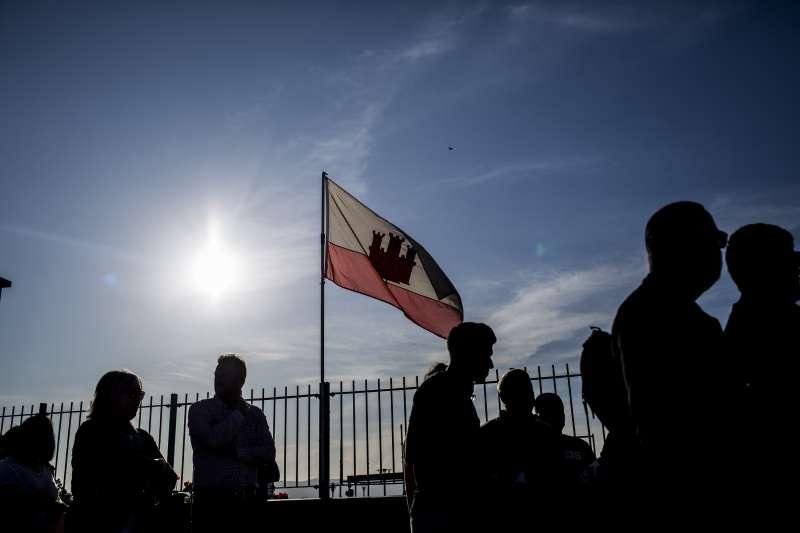 英國海外領地直布羅陀與西班牙接壤,擔憂脫歐後也會出現「邊境問題」。(AP)