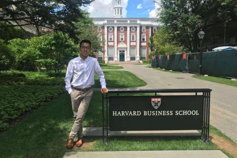 來自台灣的工程師Lucas順利申請到哈佛Harvard Peek Weekend(圖/Sabina Journal)