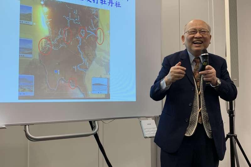文化部駐日本台灣文化中心18日晚間舉行「台灣文學祭」首場活動,邀請《傀儡花》作者陳耀昌出席。(文化部提供)