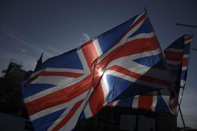 英國與歐盟即將分道揚鑣,下一步將往哪裡走?英國脫歐確定之後應該會與美國加速整合,將「五眼」由情報合作轉變為一個洲際政治與經濟聯盟,繼續讓講英語的獨霸世界。(資料照,AP)