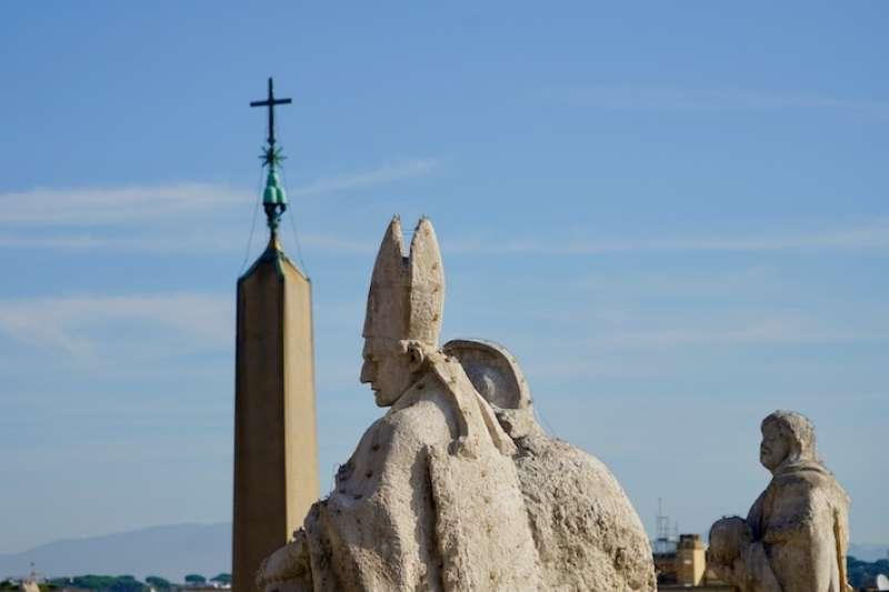 天主教聖人亦為守護神(曾廣儀攝)