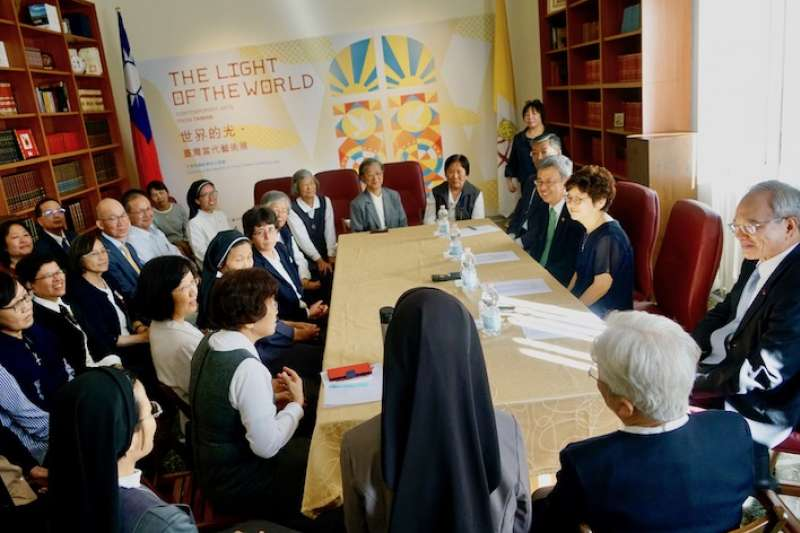 陳副總統伉儷會晤聖功修女會朝聖團(曾廣儀攝)