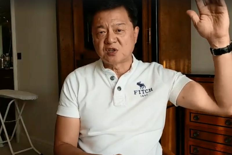 對於國民黨總統參選人韓國瑜險遭蛋襲,前台北縣長周錫瑋(見圖)表示,要是丟向韓國瑜的是土製炸彈,那明年就不用選舉了。(取自周錫瑋臉書直播)
