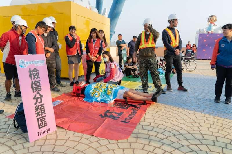 台中市府觀旅局為轄內遊樂區業者舉行旅遊安全講習及大量傷病患緊急救難救護訓練。(圖/台中市政府提供)