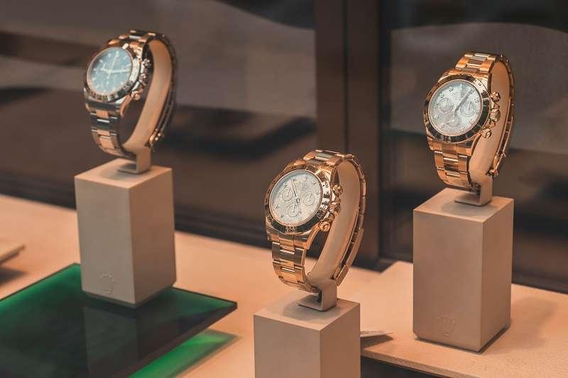 走進錶店琳瑯滿目、目不暇給,網路上各種資訊眾說紛紜,其實買錶真的不難。(圖/unsplash)