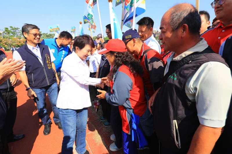 台中市清潔隊員節慶祝活動,台中市長盧秀燕到場感謝這群城市英雄的工作表現。(圖/台中市政府提供)