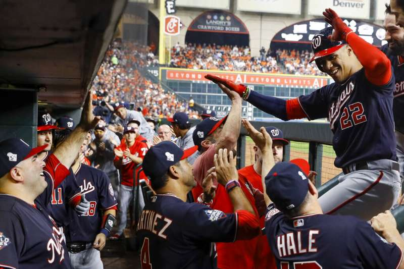 MLB世界大賽23日開打,華盛頓國民第4棒蘇鐸繳出4打數3安打表現,帶領國民終場以5比4擊敗太空人。(美聯社)