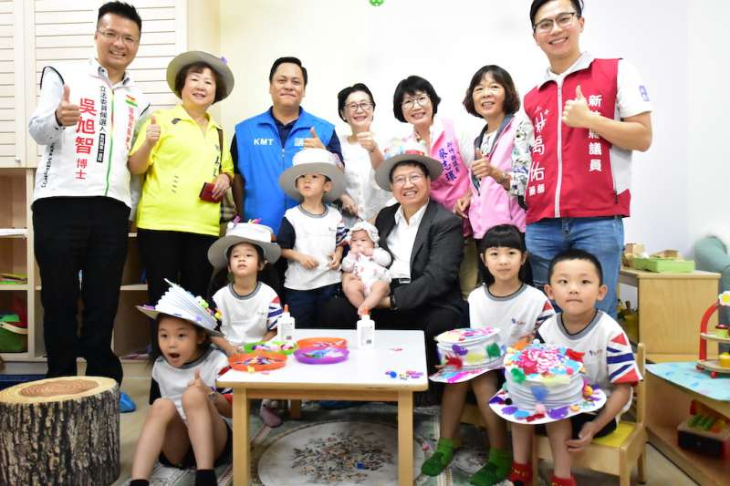 新竹縣第一座公共托育家園24日在新竹縣政府內正式開幕,這也是全國首座設在政府機關內的公托家園。(圖/新竹縣政府提供)