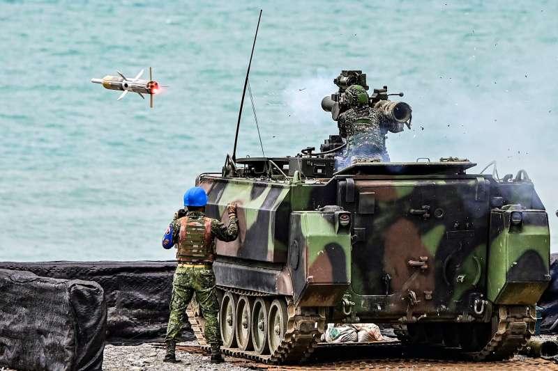 20191024-海軍陸戰隊日前參與「天馬操演」,所屬陸戰99旅反裝甲連官兵實施「拖式飛彈」實彈射擊演練。(皆取自海軍司令部官方臉書)