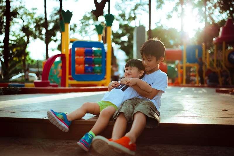 排行老幾會影響父母對待他們,以及教養他們的方式,進而影響小孩日後的個性。(圖/unsplash)