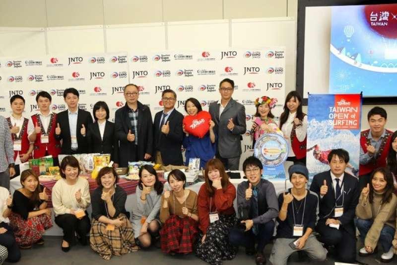 台東縣政府首次來到大阪參加有「亞洲最大旅展」之稱的日本旅遊博覽會,積極行銷獨特的山海美景。(圖/台東縣政府提供)