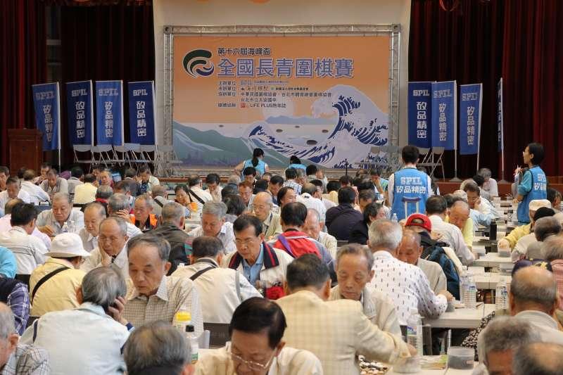海峰棋院主辦的長青圍棋賽是台灣高齡圍棋人口以棋會友的重要場合。(海峰棋院)