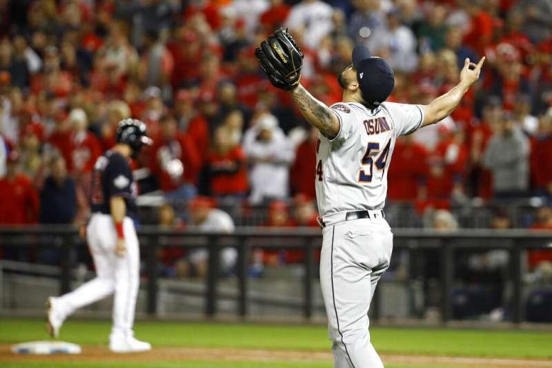 美國職棒大聯盟MLB世界大賽第3戰,先前已二連敗的休士頓太空人今晚有不能輸的壓力,全場動用6名投手車輪戰。(美聯社)