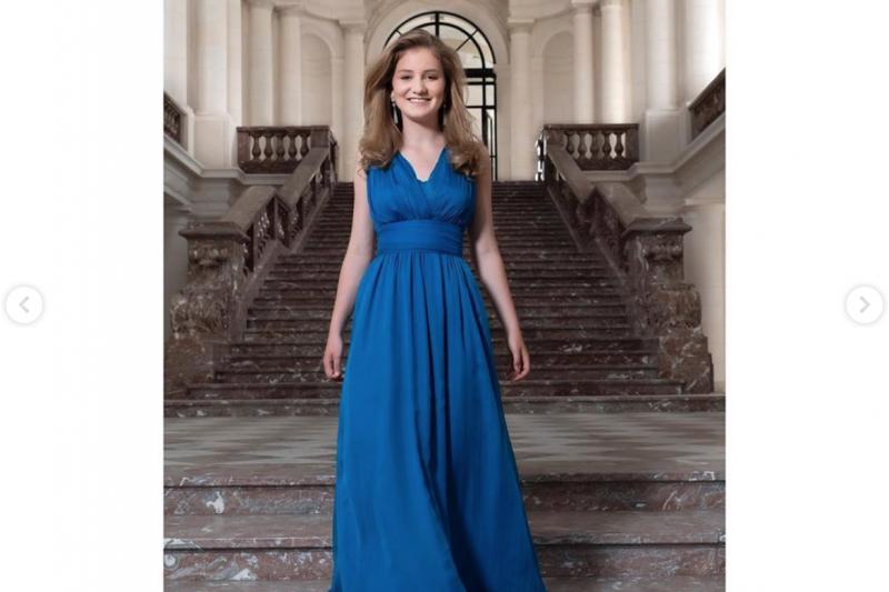 比利時伊麗莎白公主歡慶18歲生日,她未來將成為比利時史上首位女王。(擷取自比利時王室instagram)