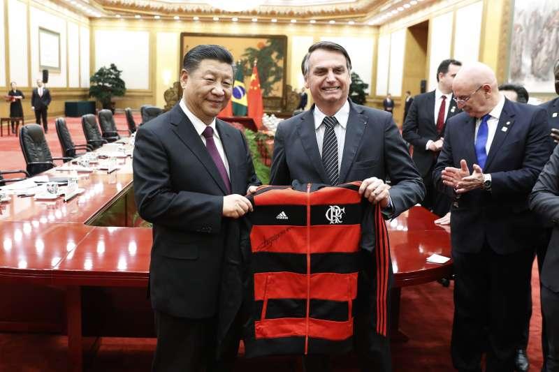 巴西總統博索納羅訪問中國,與中國國家主席習近平會晤。(AP)