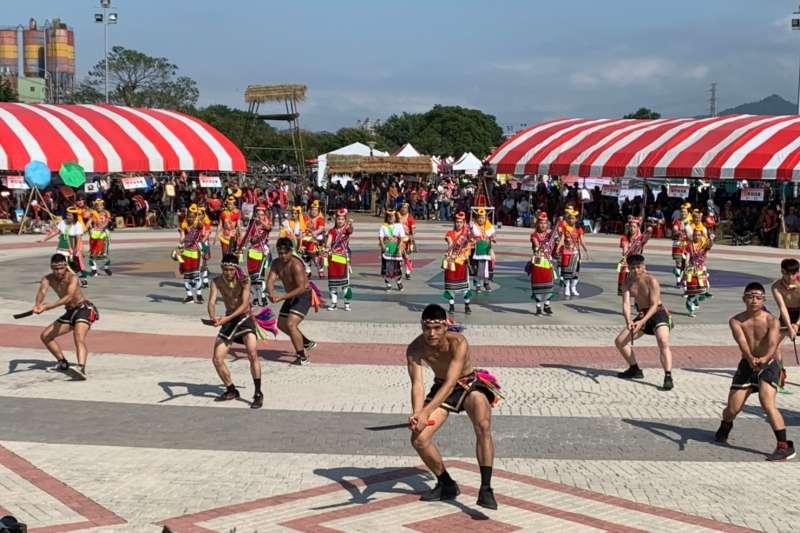 「原來就飾美108年度全市原住民族聯合文化活動」於昨(27)日在樹林原住民族主題部落公園盛大登場,民眾感受到原住民舞蹈的力與美,亦更深認識原住民族文化的多元特色與內涵。(圖/新北市原民局提供)