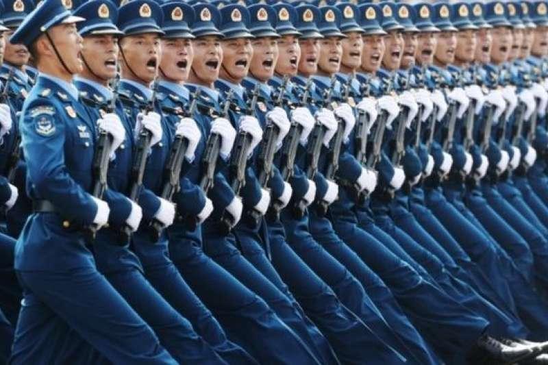 美國前眾議院議長金瑞契說,中國急速現代化,經濟,軍事和世界影響迅速擴大,毛澤東時期的落後狀態成為一個真正的世界強國,因此對美國構成多方面的威脅。(BBC中文網)