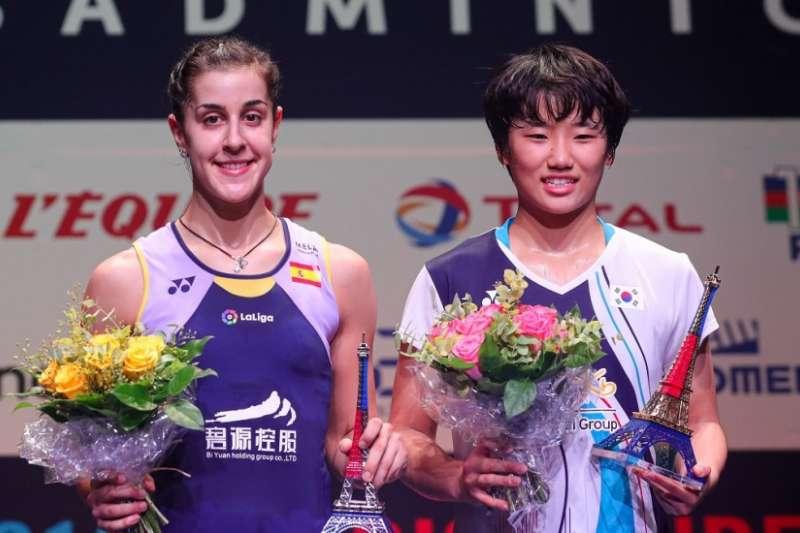 17歲的韓國選手安洗瑩(右)在法國公開賽擊敗瑪琳(左)成為超級750最年輕冠軍。(取自BWF官網)