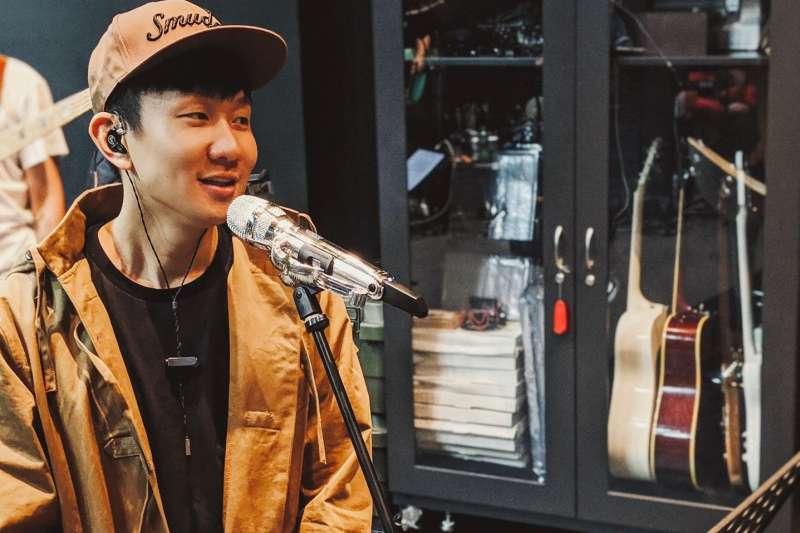 林俊傑在中國舉辦演唱會時,曾因感冒進院打點滴(翻攝自林俊傑臉書)