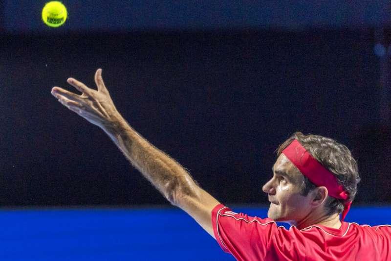 費德勒宣布退出首屆ATP盃,但他要粉絲別擔心澳網還能見到他。(美聯社)