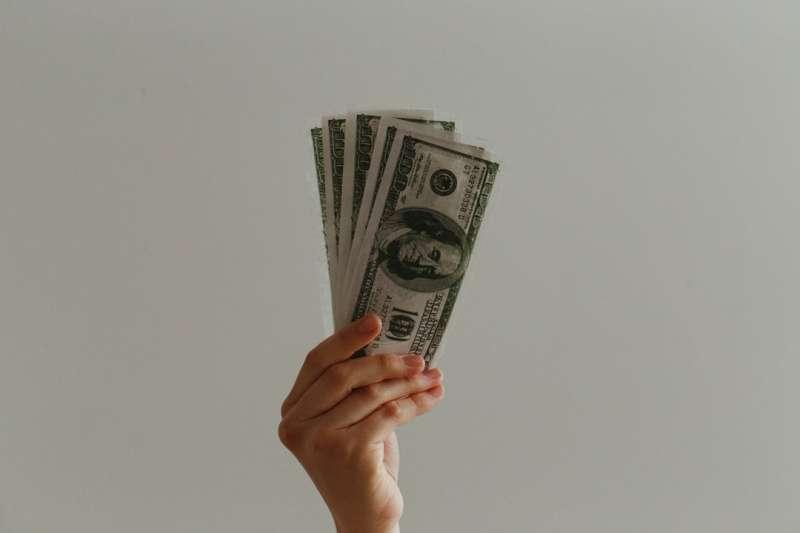 現金股利的本質探討是什麼?(圖片來源:Jp Valery on Unsplash)