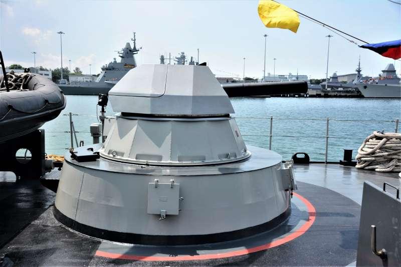 印尼海軍KCR-40型飛彈快艇上搭載中國製的NG-18近迫武器系統。(作者攝於樟宜海軍基地。圖/想想論壇提供)