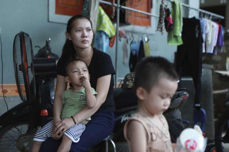 黃文捷17歲那年,家人曾向銀行貸款超過新台幣53萬元,只為送他前往法國打工。(AP)