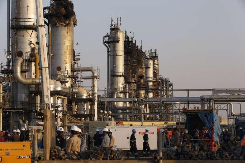 沙烏地阿拉伯國家石油公司(Aramco)的石油設施(AP)