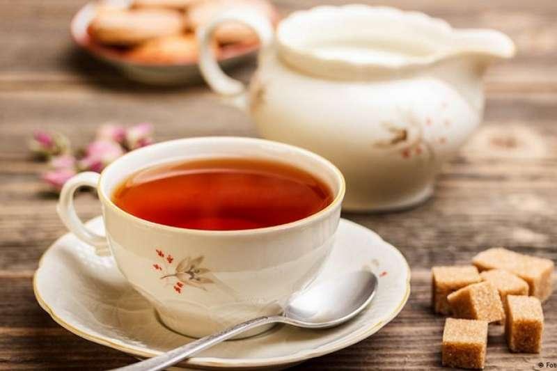 德國人眼中的英國人是什麼樣子?酷愛喝茶、瘋狂政壇、黑暗料理、過分有禮……我們整理出德國人對英國人的10大刻板印象。(德國之聲)