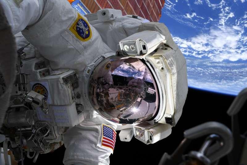 太空人。宇宙。(NASA)